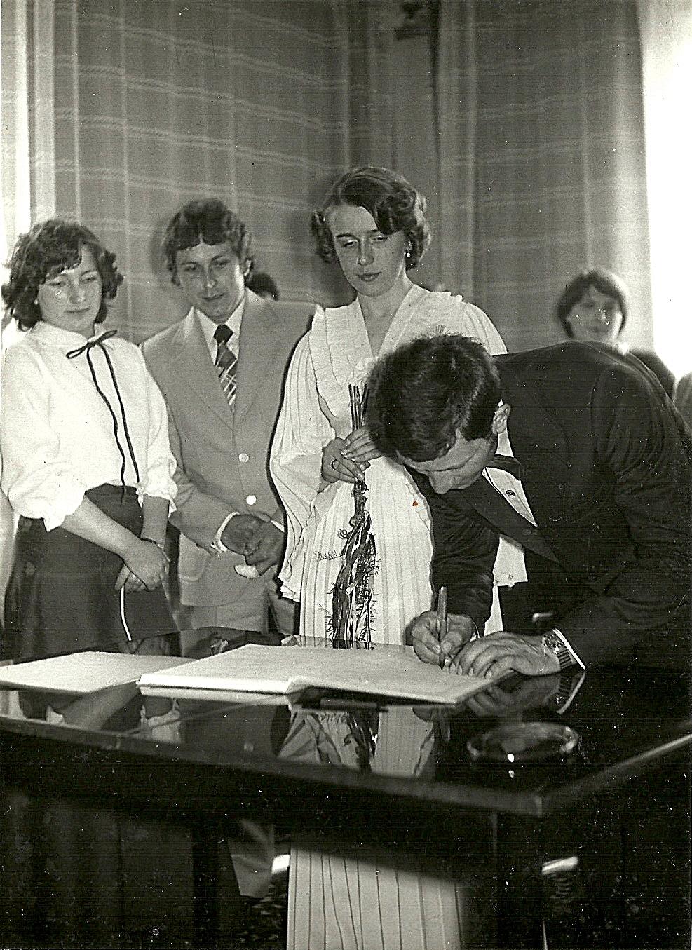 Ślub cywilny w Sterdyni. Małgorzata i Andrzej Kulesza 1979r