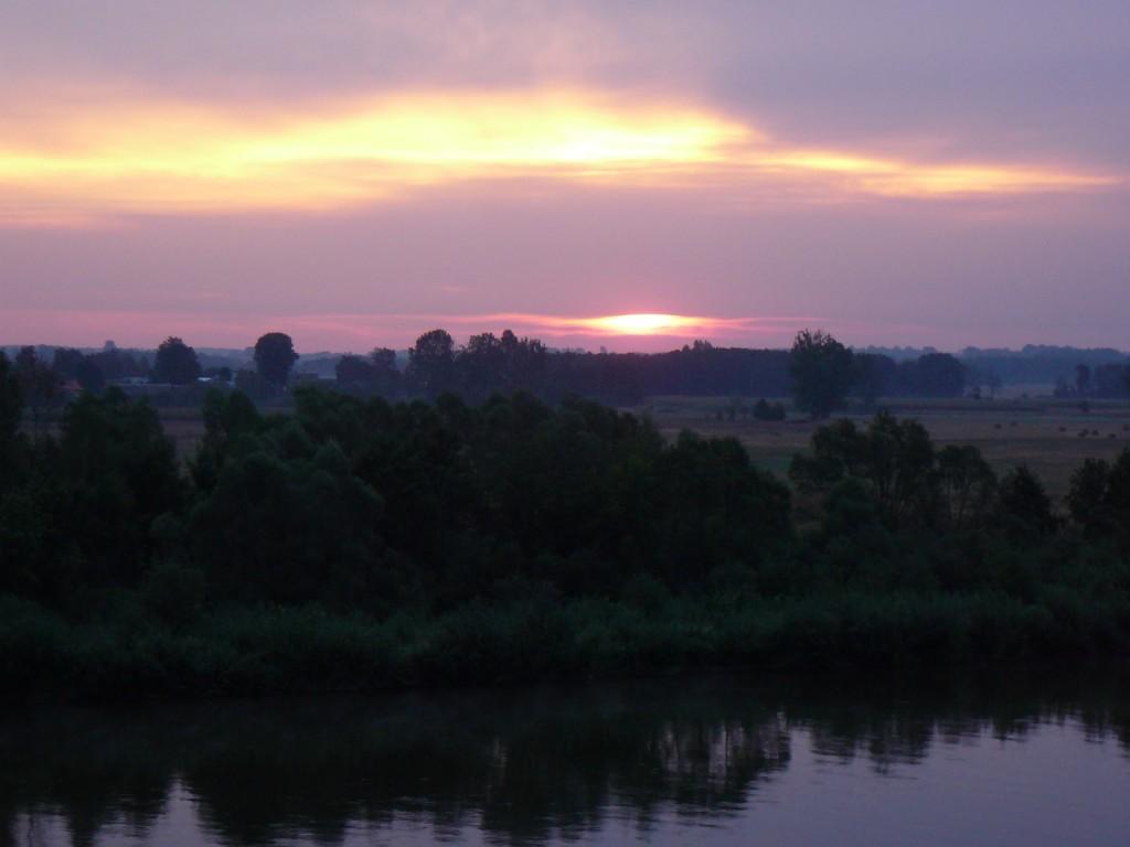 Zachód słońca rzeka Bug