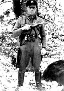 "Porucznik Jan Piwnik ps. ""Ponury""."