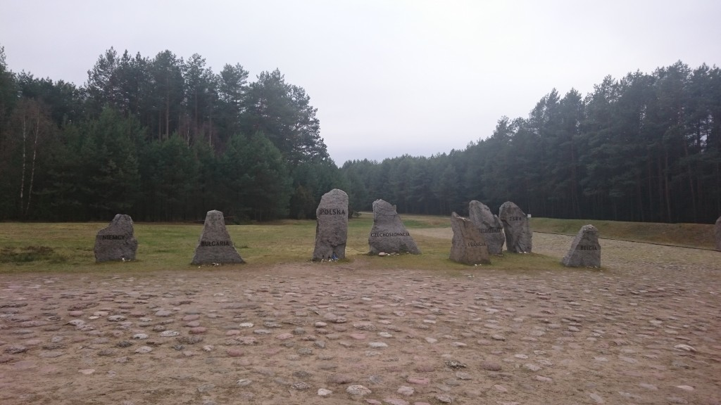 muzeum treblinka kamienie
