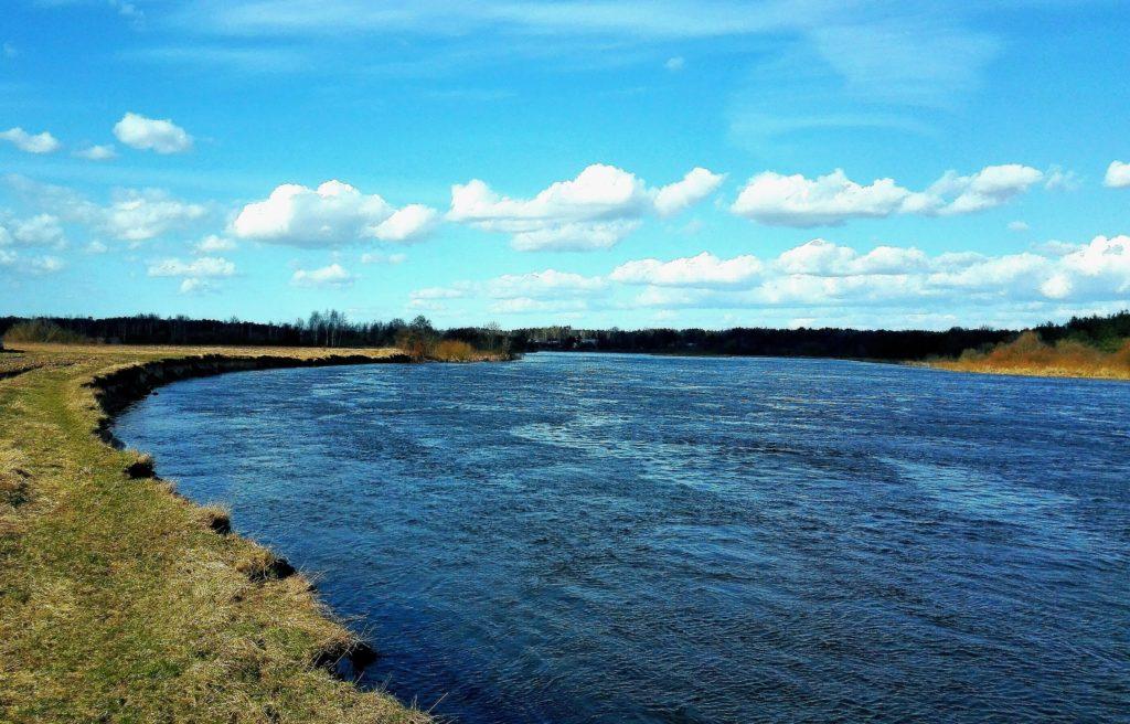 rzeka bug w marcu 2017 Kiełpiniec