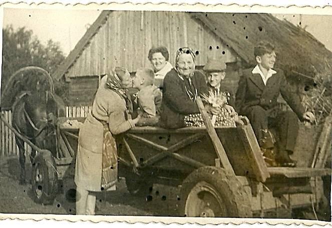 stare zdjęcia z życia na wsi kiełpiniec
