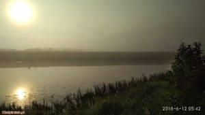 NPK, jezioro w Kiełpińcu, wschód słońca, mgła nad jeziorem 2