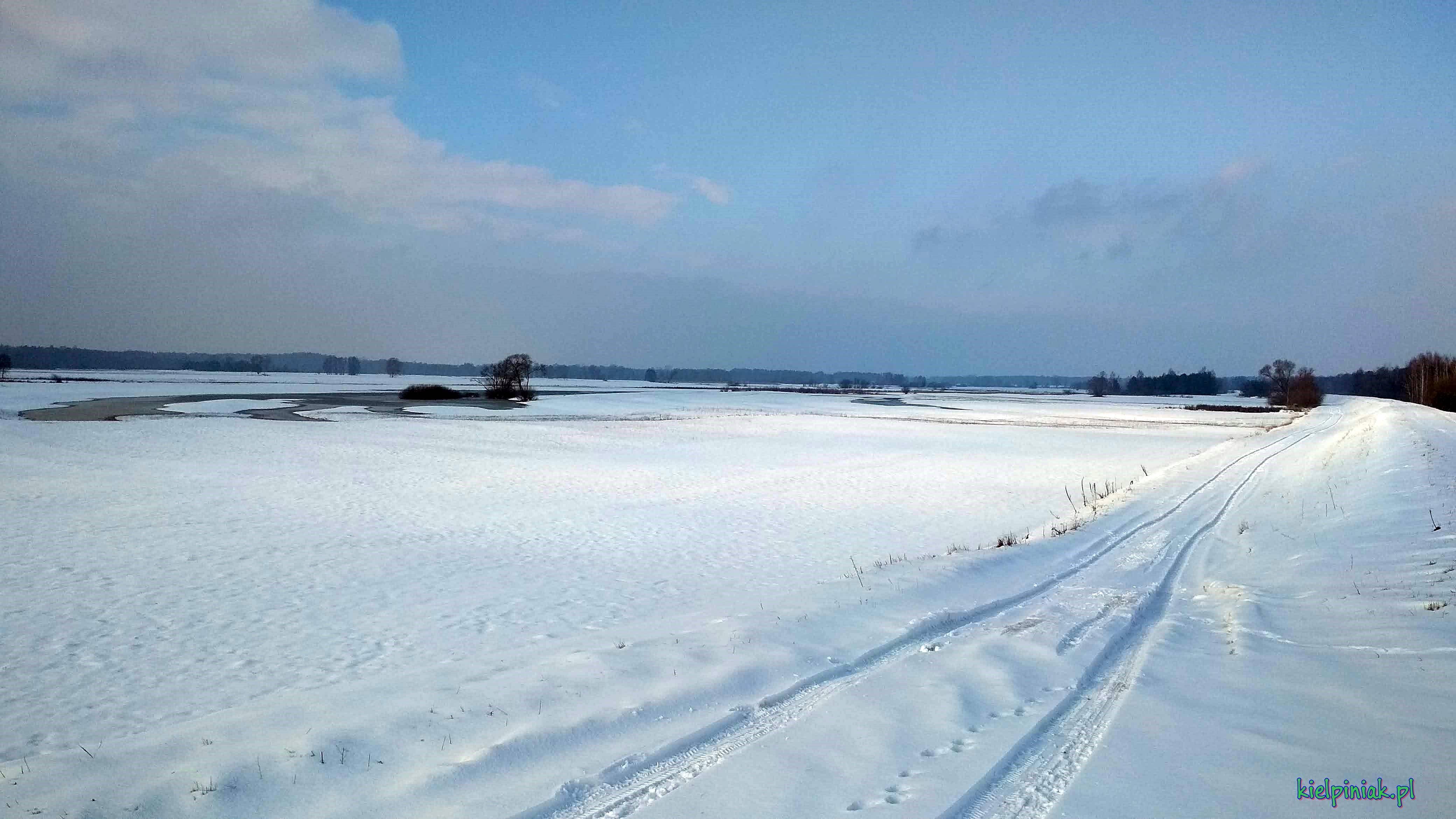 NPK zimą, droga przy wale w stronę Zagórza, zima 2019