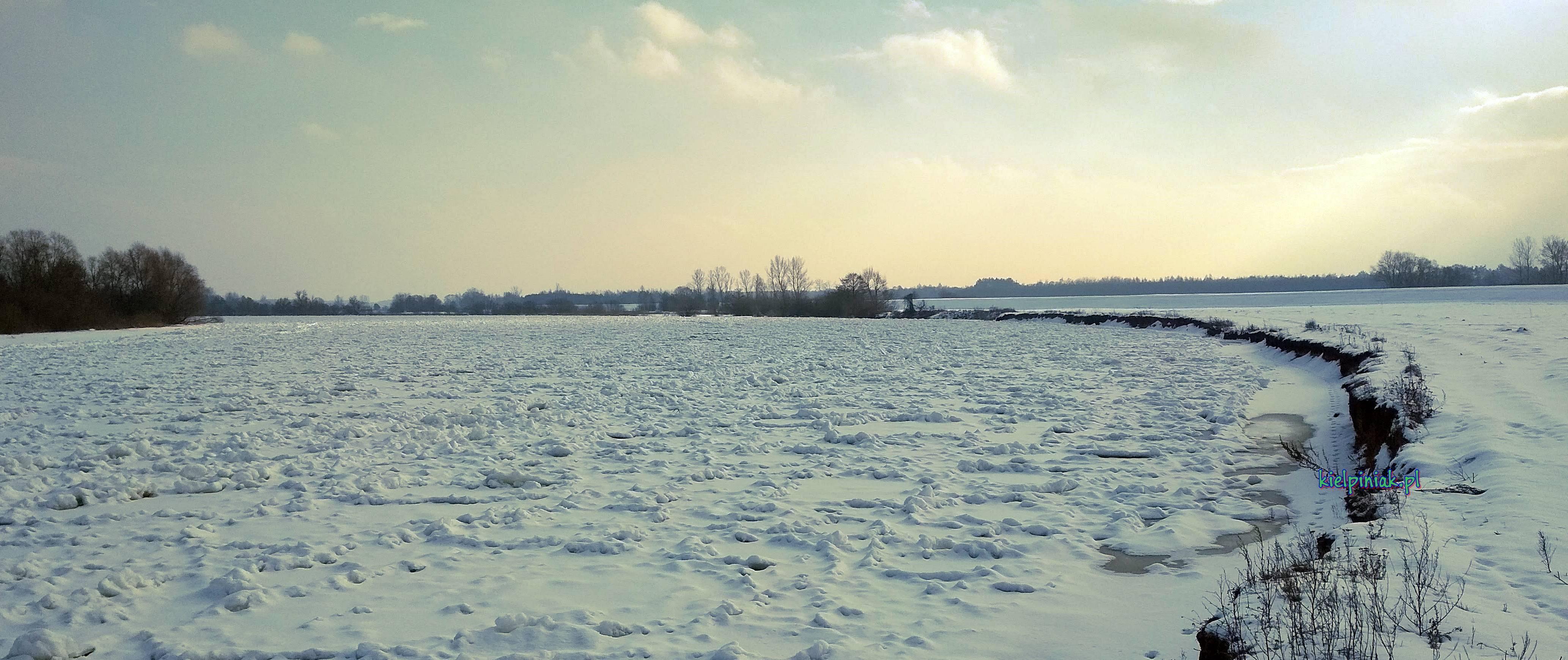 Nadbużański Park Krajobrazowy, rzeka Bug w okolicy Kiełpińca , zima 2019