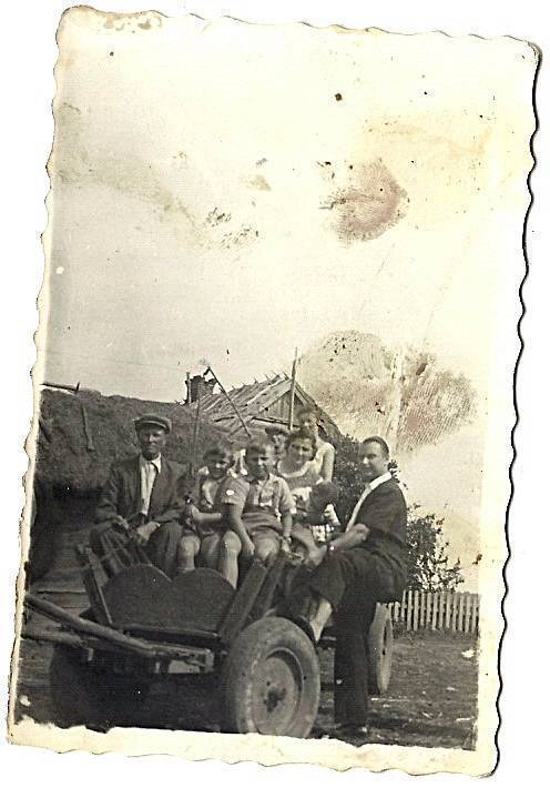 wyjazd rodziny Kowalczuków na wesele do Białobrzeg, stare zdjęcie