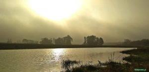widok na jezioro w kiełpińcu